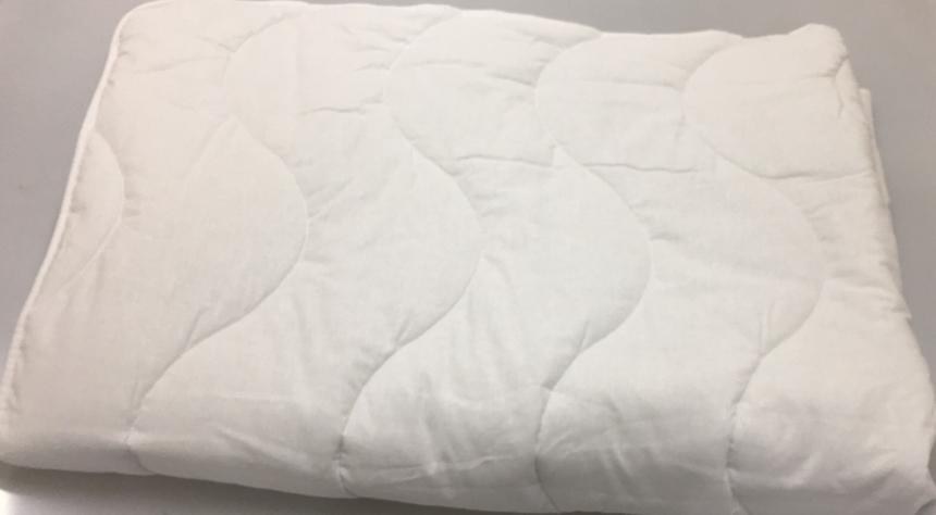 Детское одеяло белое